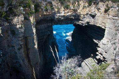 Tasman Arch - Ein Felsklippenbogen